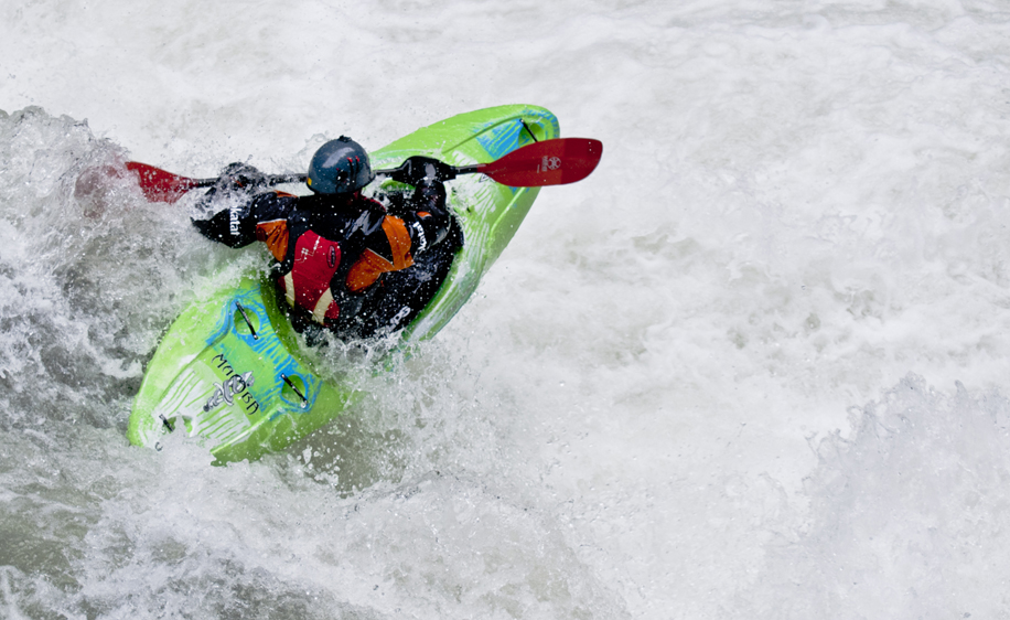 Dagger Mamba Creeker 8.6 whitewater kayak